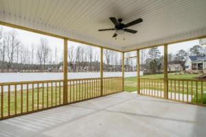 033  Screen Porch